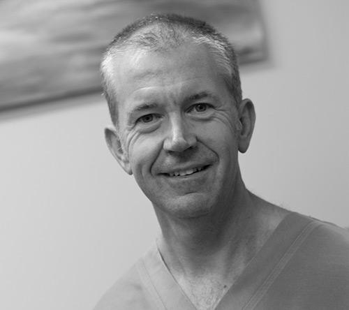 Dr Richard Henderson